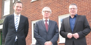 Left to right: Christy Hopkins and Bill Butler of the SIA with Showsec's md and UKCMA chairman Mark Harding