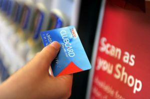 Tesco has suspended thousands of online accounts after cybercriminals targeted log-in credentials and Clubcard points