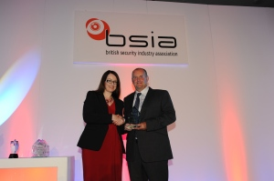 Ian Moore of Elmdene accepts his trophy from BSIA chairman Pauline Norstrom