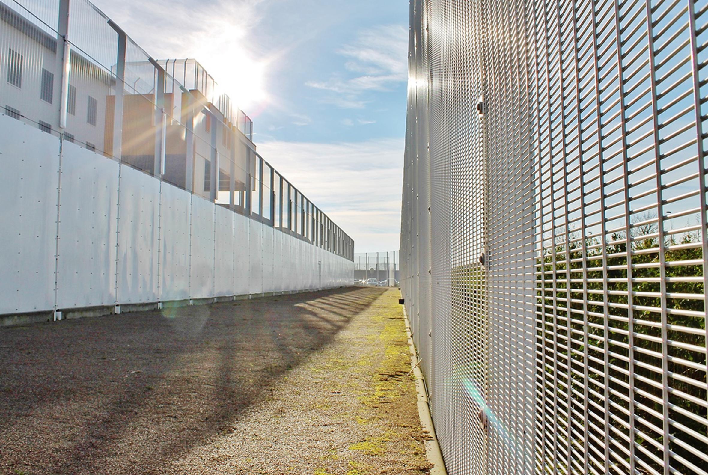 Liebenswert Zaun Design Sammlung Von Exports British Security Expertise To Northern France