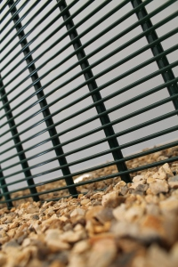 Security fencing manufacturer Zaun has taken its initial order for the company's HiSec Super10 system – believed to be the first single mesh to be certified to Security Rating 2
